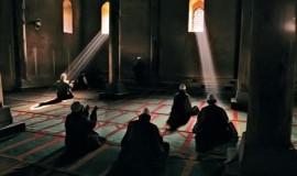 para-jamaah-sufi-berdoa-agar-allah-menyelamatkan-dokter-nasrani-_140813190326-650