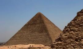 piramida-giza-di-mesir-peninggalan-firaun-yang-binasa-akibat-_140102204550-438